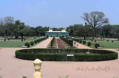 Вид на Летний дворец Типу султана и парк, Шрирангапатнам