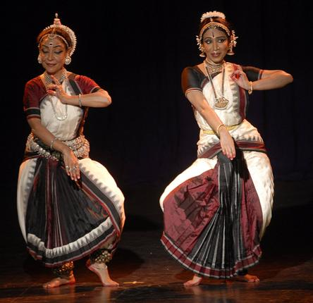 Alarmel Valli (Bharatanatyam) and Madhvi Mudgal (Odissi). Photo: R. Shivaji Rao