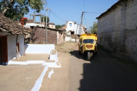 Темпо на улице местечка Исламнагар, близ Бхопала