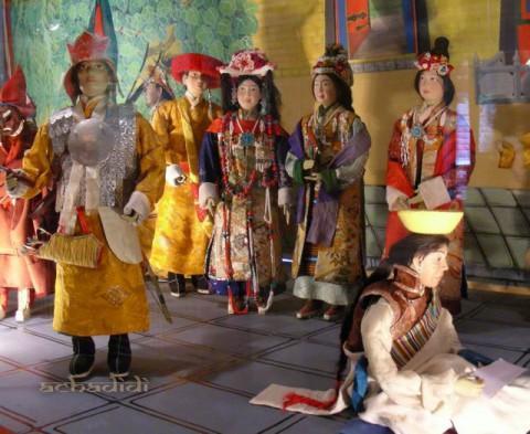 Тибетская традиционная одежда