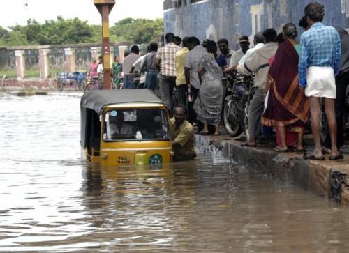 Затопило Ченнаи. Фото  V. Ganesan www.thehindu.com