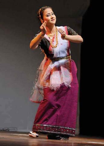 Сольный танец манипури
