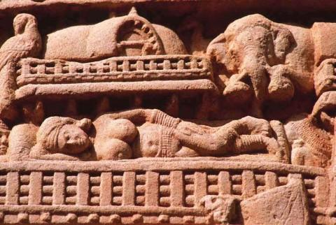 Сон королевы Майи, Восточные ворота.